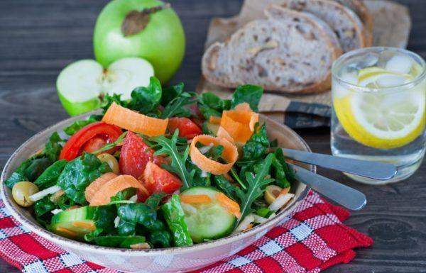 Большая часть витаминов содержится в продуктах питания