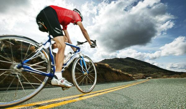 Езда на велосипеде способствует постоянному травмированию близлежащих мягких тканей и кровеносных сосудов