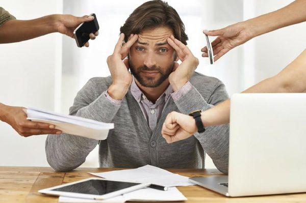 Нервное перенапряжение и постоянные стрессы нередко являются причиной импотенции у молодых мужчин