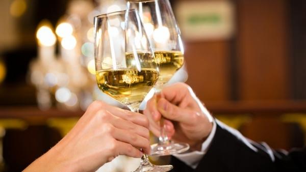 Лучше избегать чрезмерного употребления алкоголя в качестве афродизиака