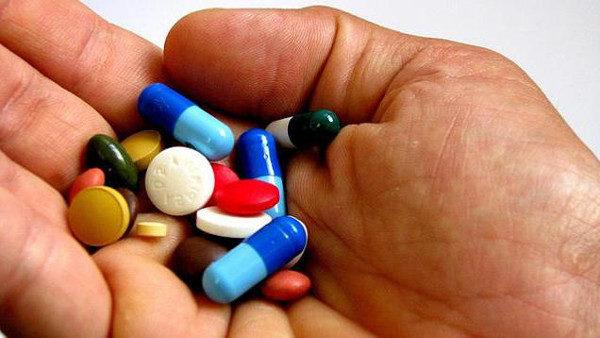 При выборе препарата необходимо учитывать его действие на организм, противопоказания, побочные реакции