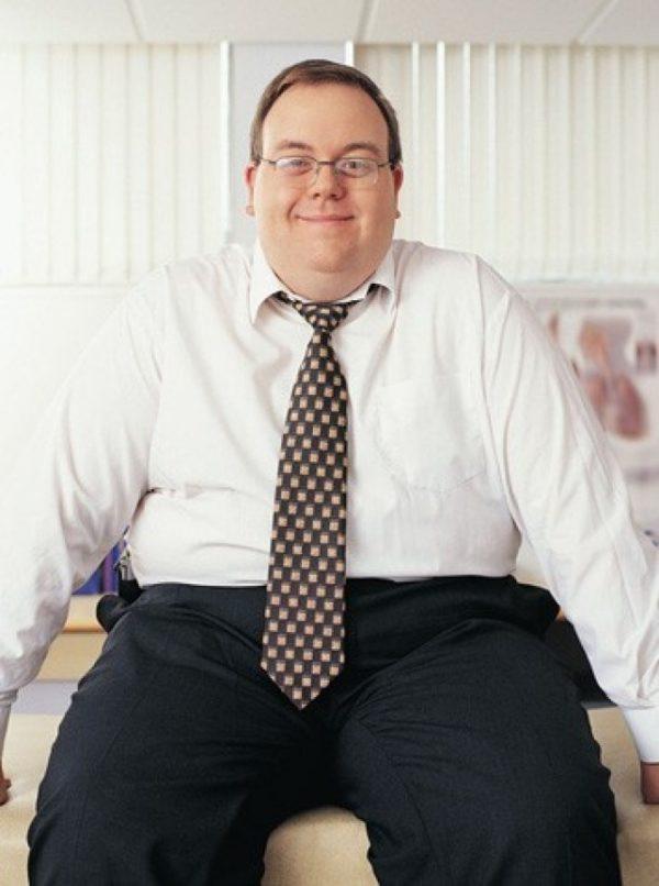 К снижению уровня тестостерона могут привести лишний вес и малая подвижность