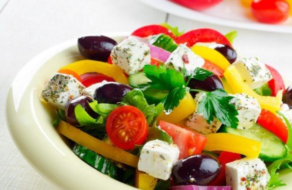 Во время приема «Виагры» стоит отдать предпочтение «легкой», малокалорийной пище