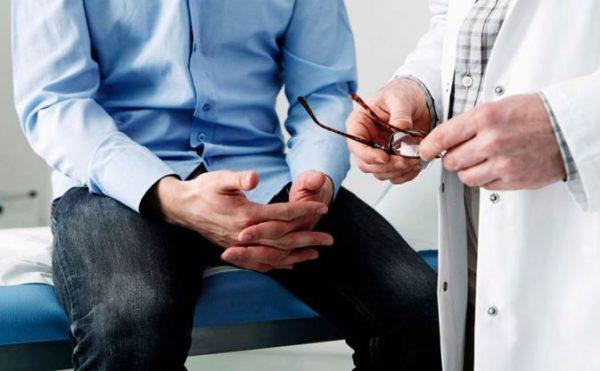 Если появились боли или нехарактерные выделения, нужно как можно быстрее обратиться к врачу
