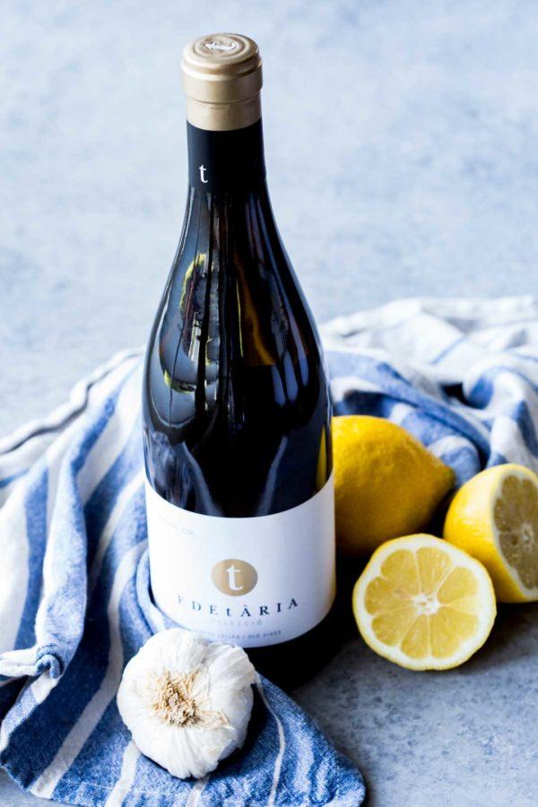 Ингредиенты для приготовления винного настоя с чесноком и лимоном