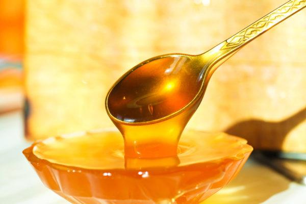 Натуральный мед усилит благотворное действие чая