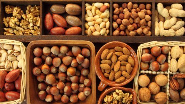 Орехи способны восстанавливать функции половой системы