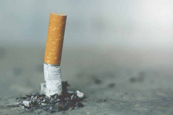Также перед забором крови на анализ нужно отказаться от курения