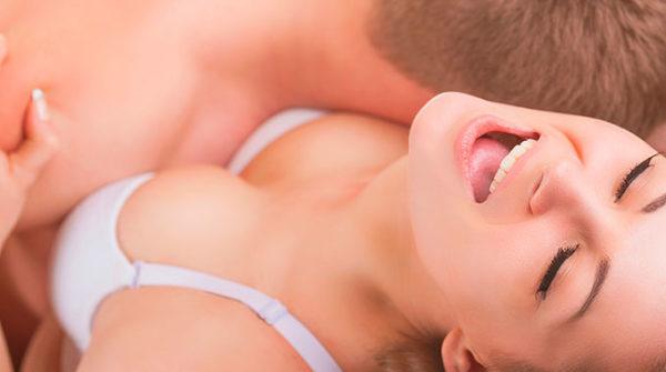 Считается, что вагинальный оргазм непосредственно связан со стимуляцией клитора