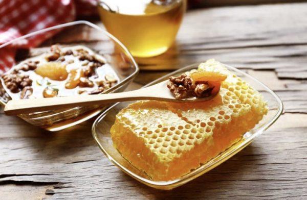 Существует несколько методов приготовления грецких орехов с медом