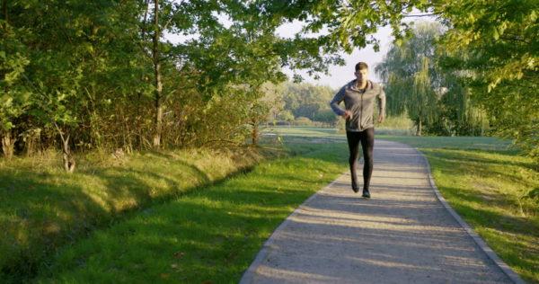 Стоит ходить пешком хотя бы по часу в день