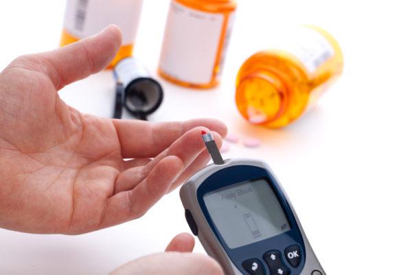 Для измерения уровня холестерина в крови пользуются глюкометрами определенного вида